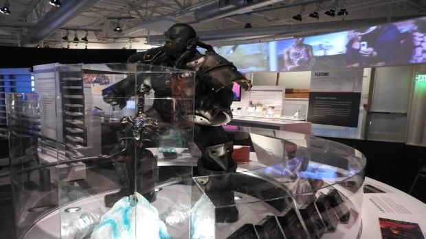 world-of-warcraft-wow-statue-computer-history-museum